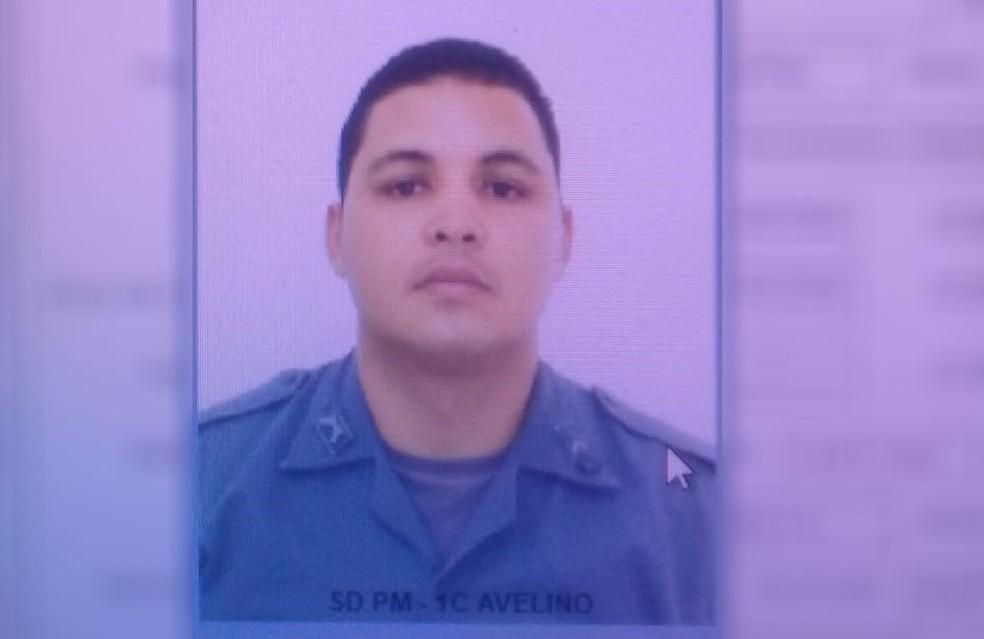 Soldado Cleber Avelino foi detido após efetuar os disparos contra outro PM dentro de Batalhão em Campinas (SP) — Foto: Reprodução