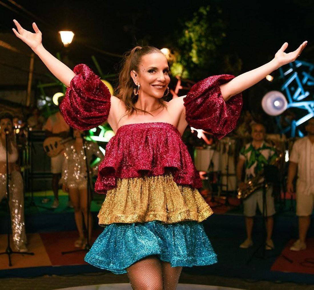 Ivete Sangalo renova o tempo de alegria com EP carnavalesco