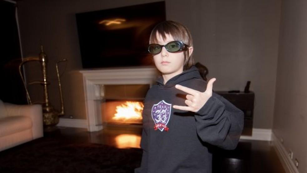 O mais jovem jogador profissional de Fortnite tem tempo de jogo controlado pela família: de 2 a 3 horas depois da escola — Foto: Team 33 via BBC