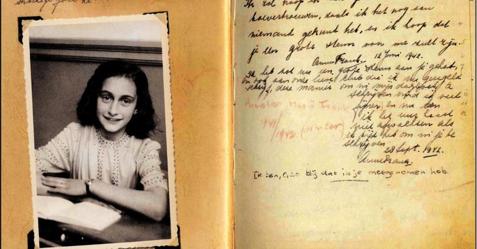 Primeira página do diário que Anne Frank ganhou em seu aniversário, em 12 de junho de 1942 (Foto: Photo collection Anne Frank Stichting, Amsterdam)