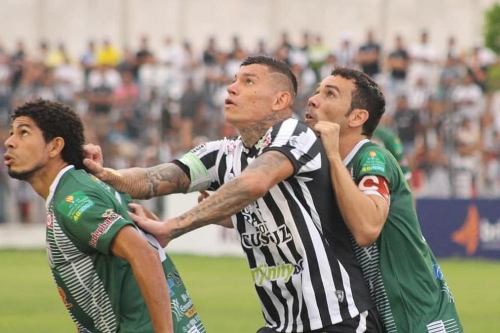 Em campo, o Galo briga por uma das vagas no Grupo A para avançar às semifinais do estadual — Foto: Cassiano Cavalcanti / Treze