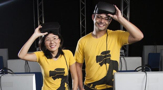 Keila e Pedro Kayatt, da VR Monkey: óculos de realidade virtual para criar novos ambientes de ensino (Foto: Daniela Toviansky)