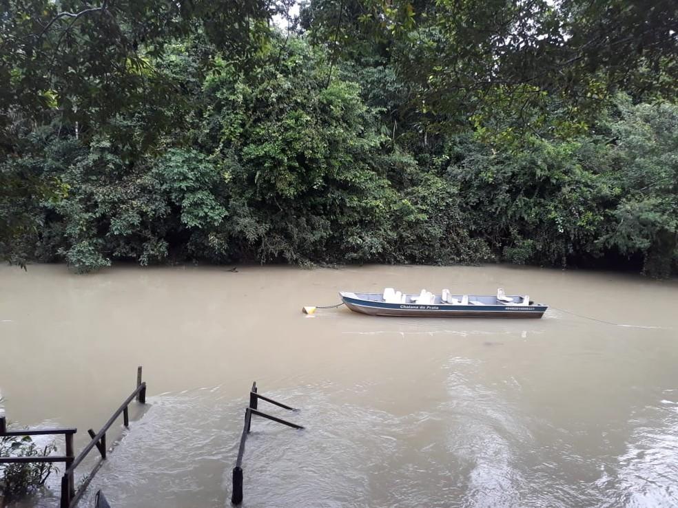 Rio da Prata, em Jardim, conhecido pelos passeios de Flutuação, ficou com as águas turvas e escuras após chuva no domingo de Páscoa (20) — Foto: Facebook/Reprodução