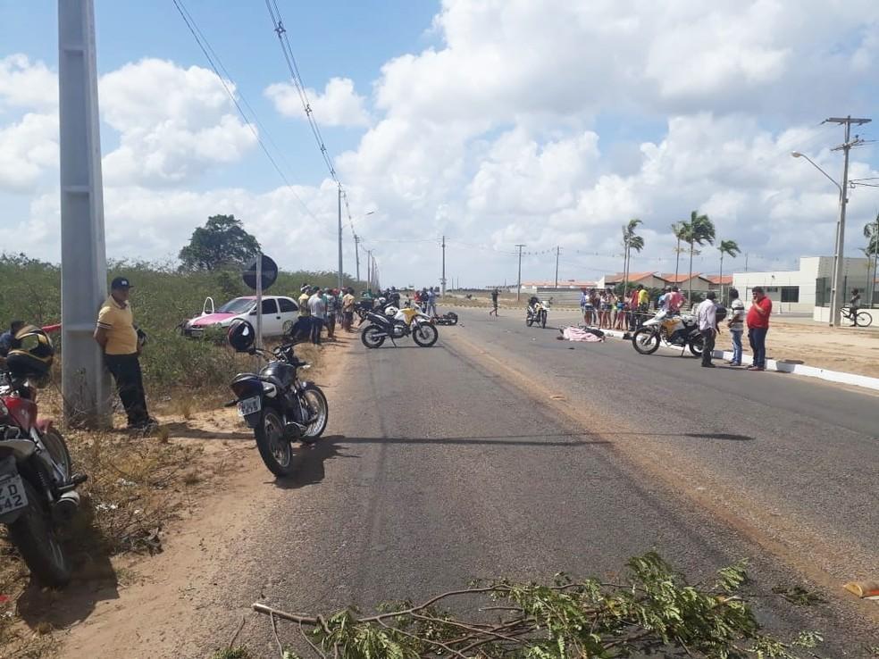 Acidente aconteceu na estrada de Japecanga, em Parnamirim — Foto: Marksuel Figueredo/Inter TV Cabugi