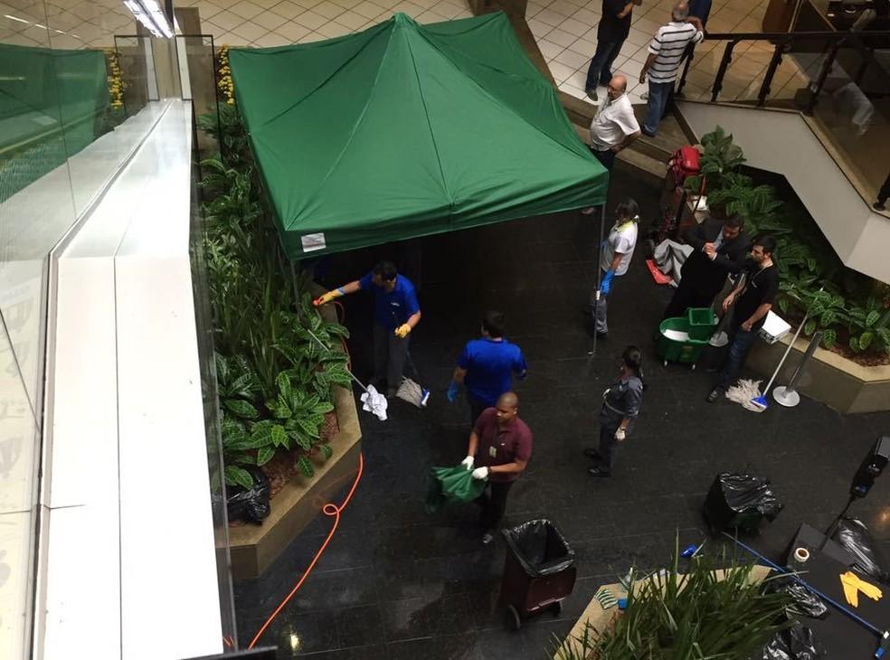 Reitor se jogou no vão central, informou o shopping (Foto: Roberta Guerreiro/Divulgação)
