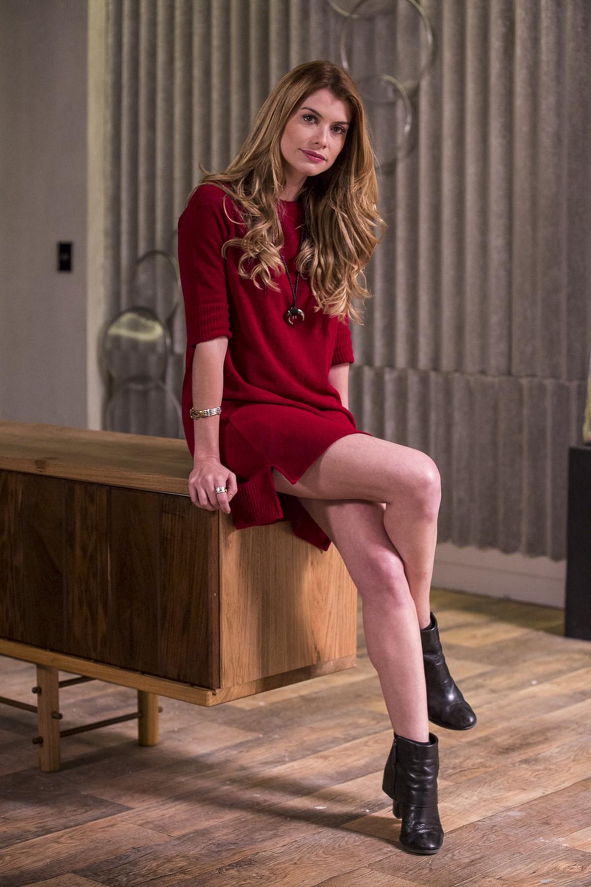 Alinne Moraes Sex alinne moraes faz balanço de 'rock story' e confessa: 'não