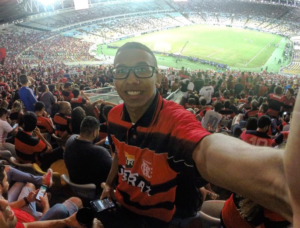 Rafael Monteiro, torcedor do Flamengo, vai a todos os jogos no Maracanã — Foto: Arquivo Pessoal