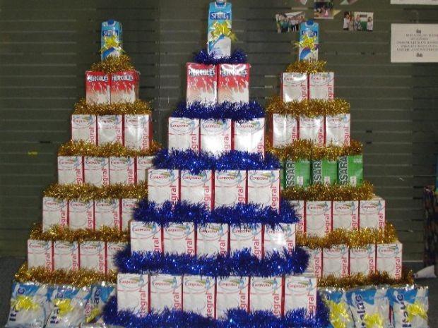 Corpo de Bombeiros arrecada leite para famílias carentes em Juiz de Fora