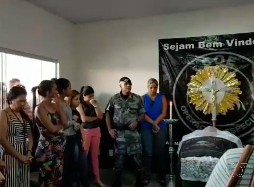 PM critica ação de policiais civis durante velório do colega — Foto: Reprodução/TV Anhanguera