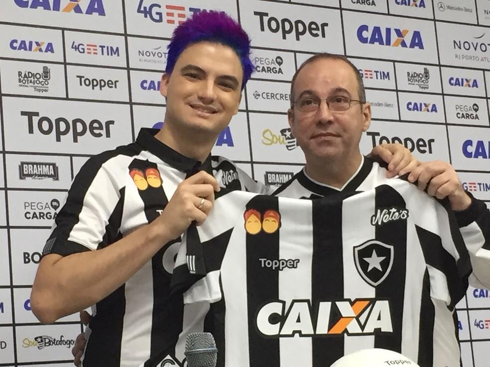16bc83b0c5 ... Felipe Neto na apresentação de patrocínio pontual no Botafogo — Foto   Felippe Costa