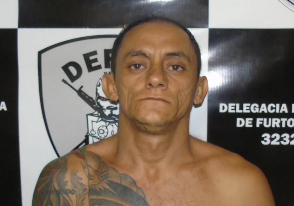 Rivanildo Pereira de Medeiros, o Rambo, foi preso em kitnet do bairro Ponta Negra, na Zona Sul de Natal (Foto: Divulgação/ Polícia Civil)