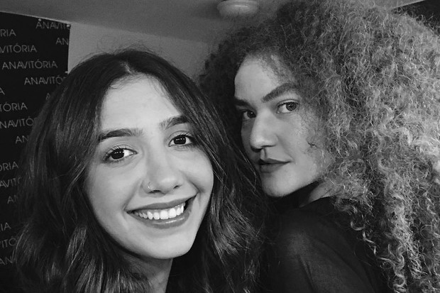 Ana Caetano e Vitória Falcão formam a dupla Anavitória (Foto: Reprodução / Instagram)