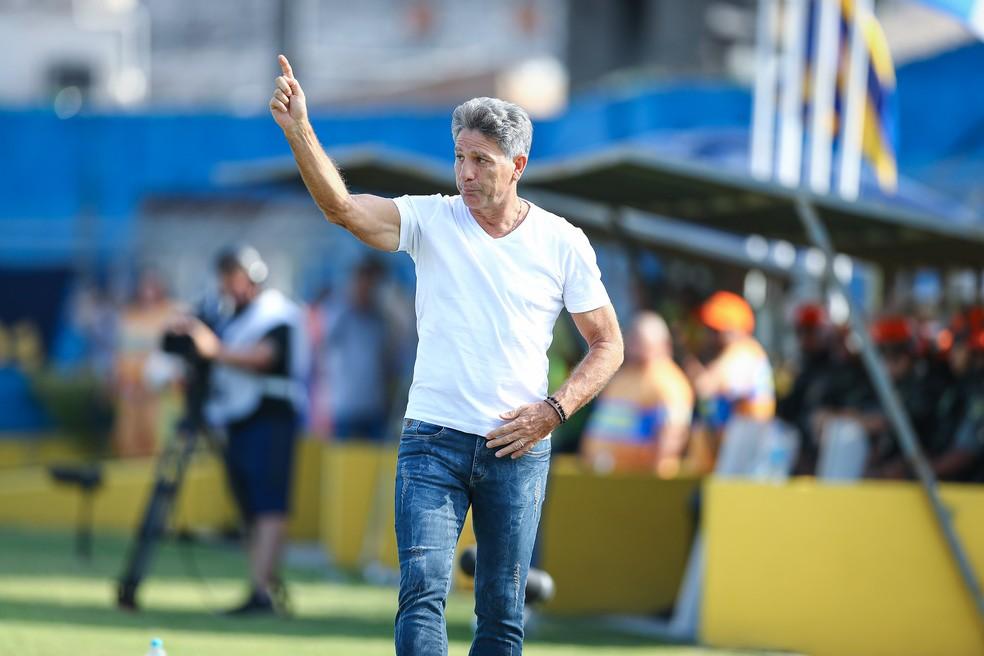 Renato Gaúcho tem mostrado seu lado solidário durante a quarentena — Foto: Lucas Uebel/DVG/Grêmio