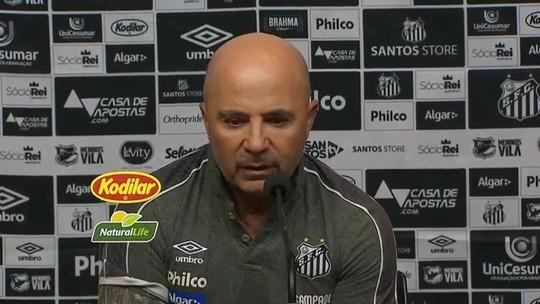 """Para Sampaoli, expulsão no início foi determinante para derrota do Santos: """"Plano se deteriorou"""""""