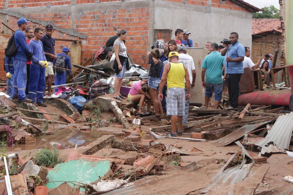 Dezenas de casas foram atingidas pela água em tragédia no Parque Rodoviário, Zona Sul de Teresina  — Foto: Gilcilene Araújo/G1