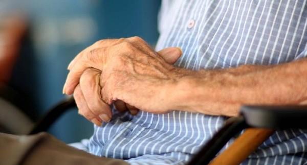 'É possível colher os frutos da longevidade, diz demógrafo