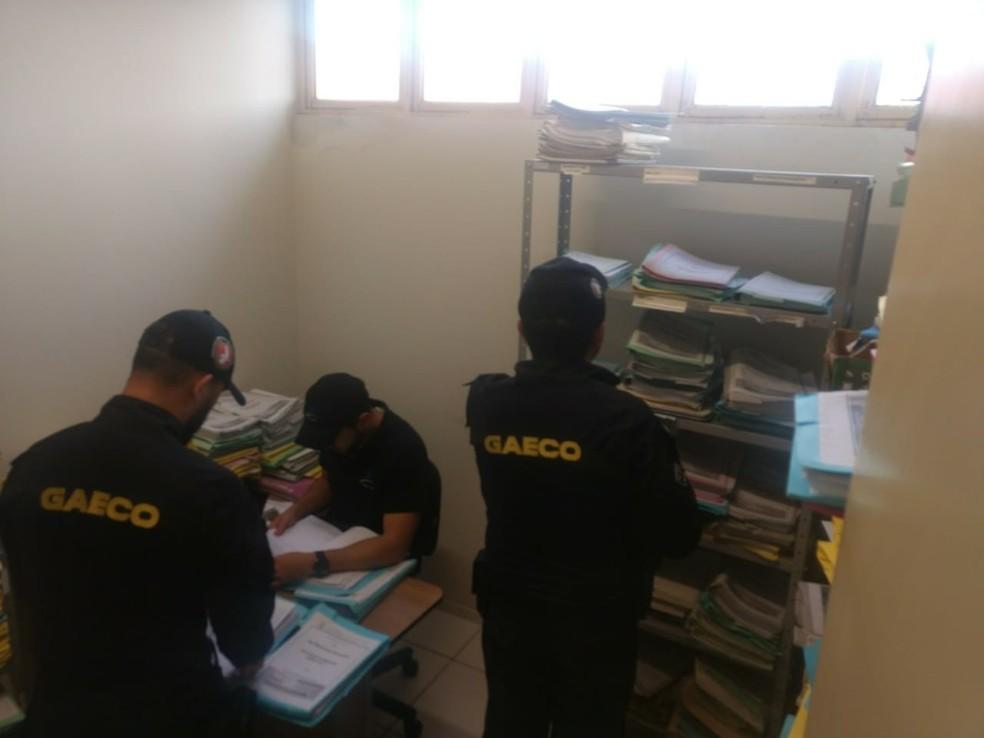 Gaeco cumpre mandados de busca e apreensão em prefeituras e empresas — Foto: Divulgação/MP-PI