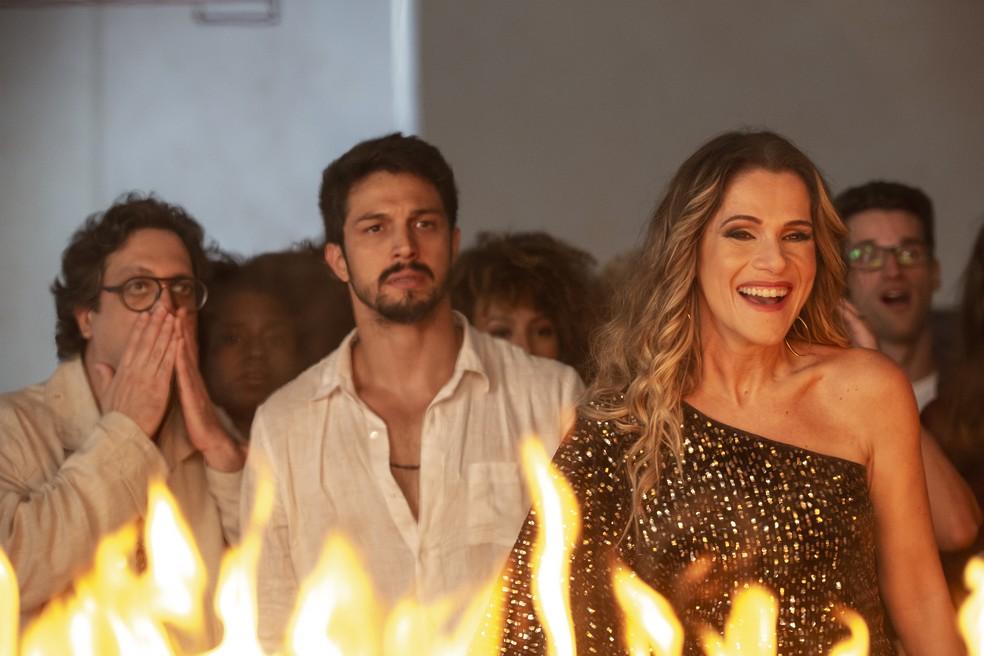 Silvana (Ingrid Guimarães) se diverte com a confusão — Foto: Isabella Pinheiro/Gshow