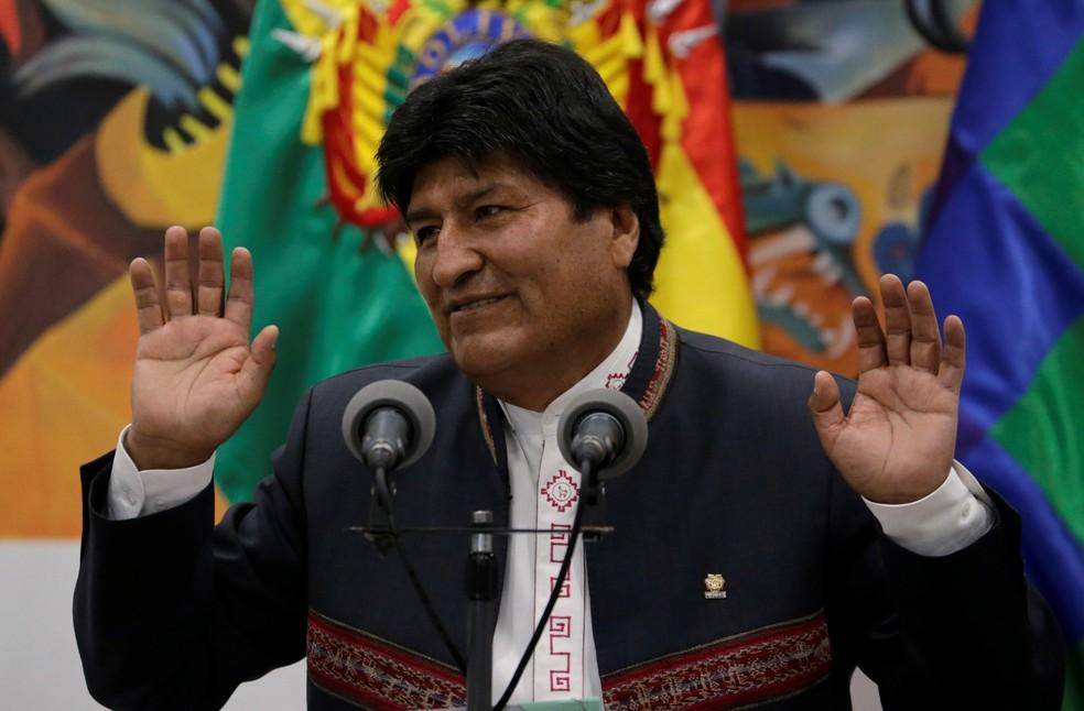 O presidente boliviano Evo Morales fala durante uma entrevista coletiva no palácio presidencial, em imagem de arquivo — Foto: David Mercado/Reuters