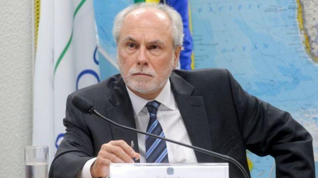 O embaixador do Brasil junto à Santa Sé, Henrique da Silveira Sardinha Pinto: indicação estava aprovada pelo Senado desde junho, mas ele só viajou semana passada (Foto: Senado Federal via BBC News)
