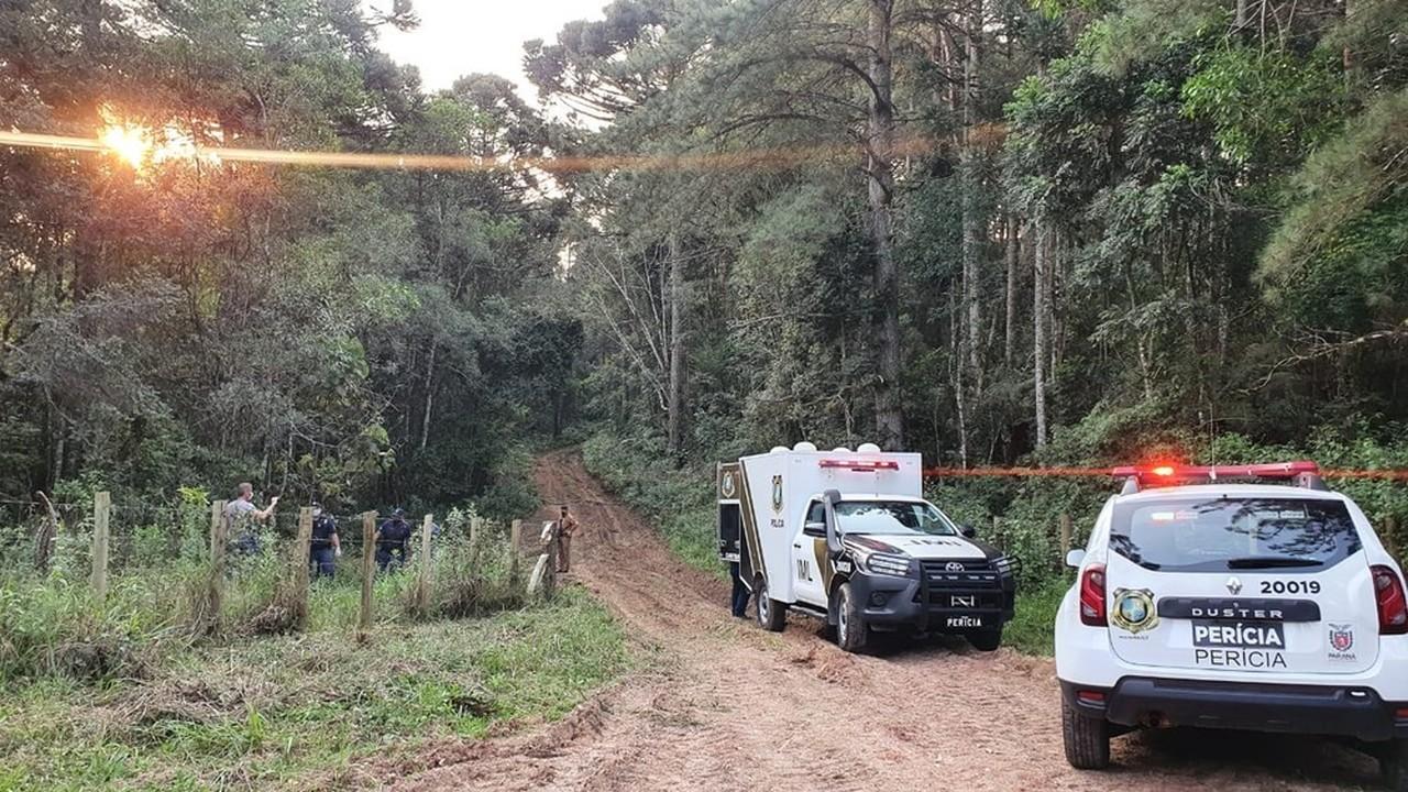Polícia investiga morte de jovens encontradas em área rural de Quatro Barras