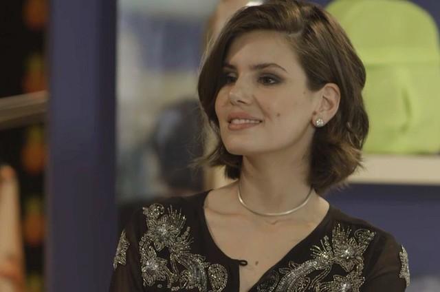 'Verão 90': Camila Queiroz é Vanessa (Foto: TV Globo)