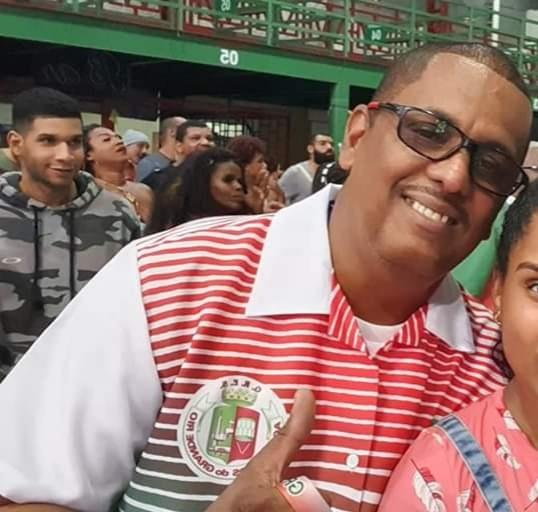 Diretor de harmonia da Grande Rio morre vítima de Covid-19, diz escola