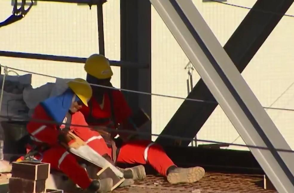 Construção civil é um dos setores com saldo positivo  — Foto: Reprodução/TV Bahia