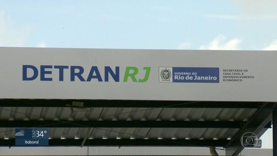 Detran-RJ é notificado para suspender taxa de licenciamento