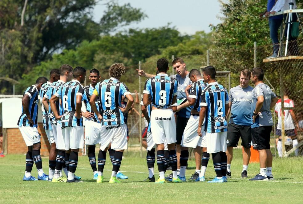 Equipe sub-23 é comandada pelo técnico Thiago Gomes — Foto: Rodrigo Fatturi/Grêmio