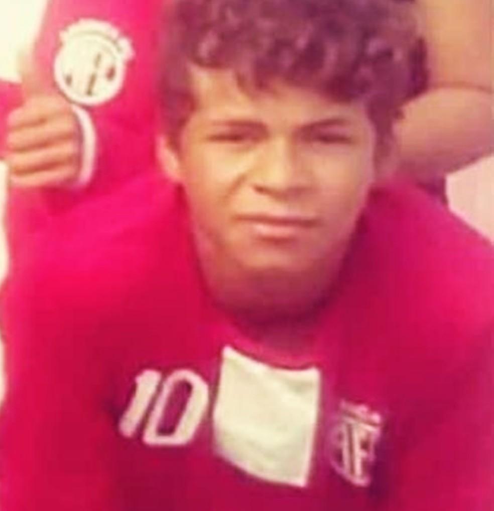 Ivanderson Oliveira da Costa, de 14 anos, queria ser jogador de futebol (Foto: Arquivo da família)