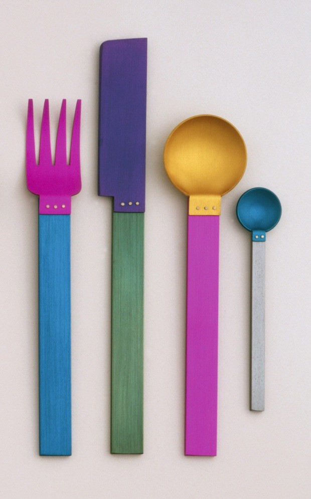 Signature Collection: Picnic Flatware Place Setting (New York, New York, USA), 1986; Designed by David Tisdale (American, b. 1956); Anodized aluminum; Knife: 20.5 x 2.4 x 0.5 cm (8 1/16 x 15/16 x 3/16 in.); Museum purchase from Eleanor G. Hewitt Fund, 198 (Foto: ©Smithsonian Institution)