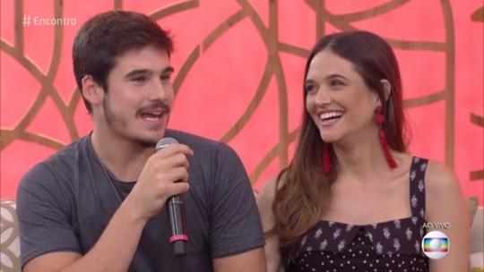 Juliana Paiva e Nicolas Prattes falam do namoro, e atriz revela: 'Gosto de ser conquistada'
