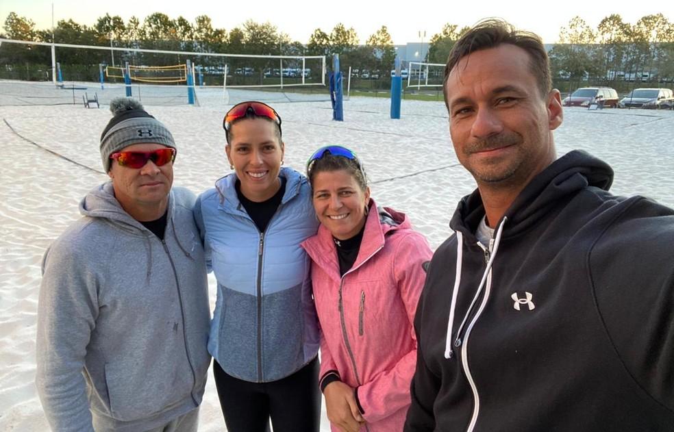 Campeão olímpico Ricardo (à direita) vai ter a missão de comandar nova parceria; dupla já treina nos Estados Unidos — Foto: Arquivo Pessoal