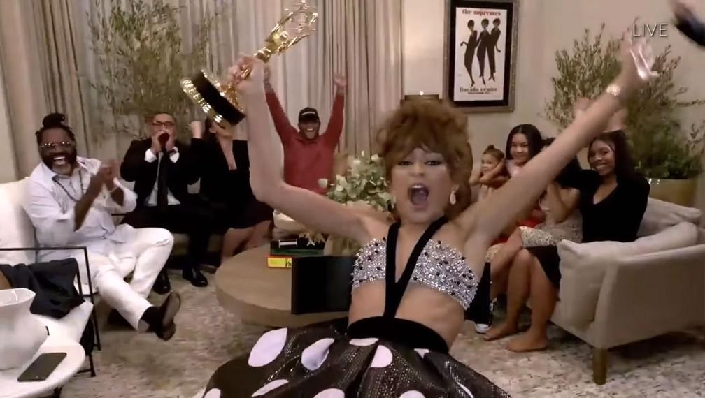 Zendaya comemora o Emmy — Foto: Reprodução/YouTube/Television Academy