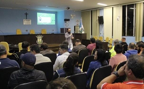 Câmara Municipal oferece suporte para entidades filantrópicas em Barroso  - Notícias - Plantão Diário