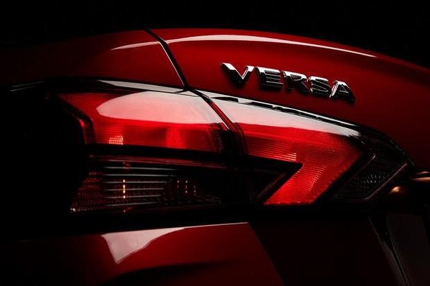 Detalhe da lanterna traseira do Novo Nissan Versa 2020 (Foto: Divulgação)
