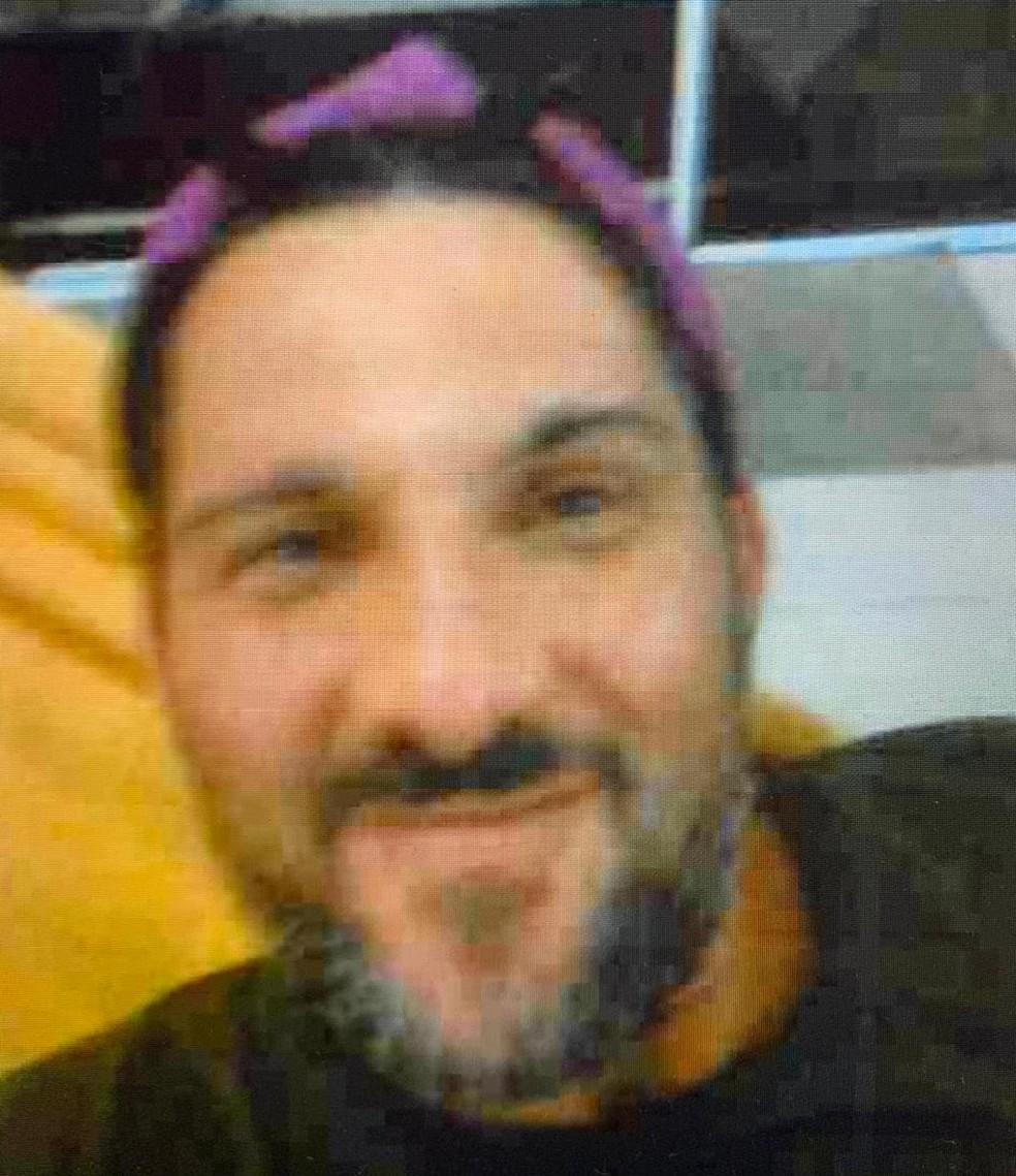 O ex-policial Adriano da Nóbrega em uma selfie encontrada em seu telefone celular — Foto: Reprodução