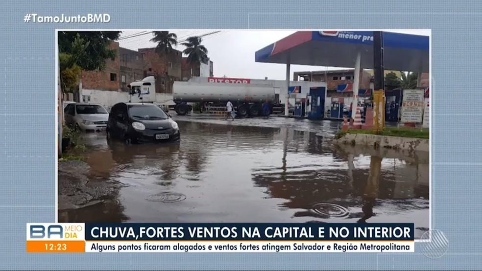 Frente fria traz chuva e ventos para Salvador e cidades do interior da Bahia — Foto: Reprodução/TV Bahia