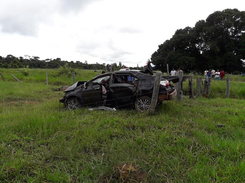 Veículo parou a aproximadamente 150 metros fora da pista, em um pasto (Foto: Planeta Folha/Reprodução)