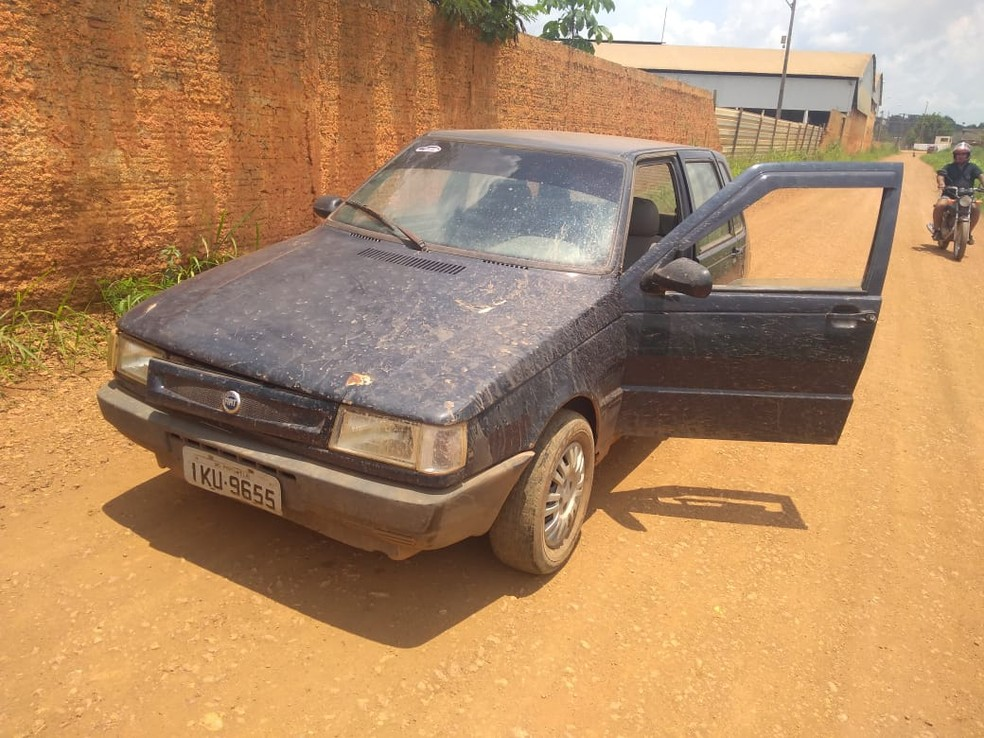 Carro usado pelo suspeito no ataque — Foto: Reprodução/WhatsApp