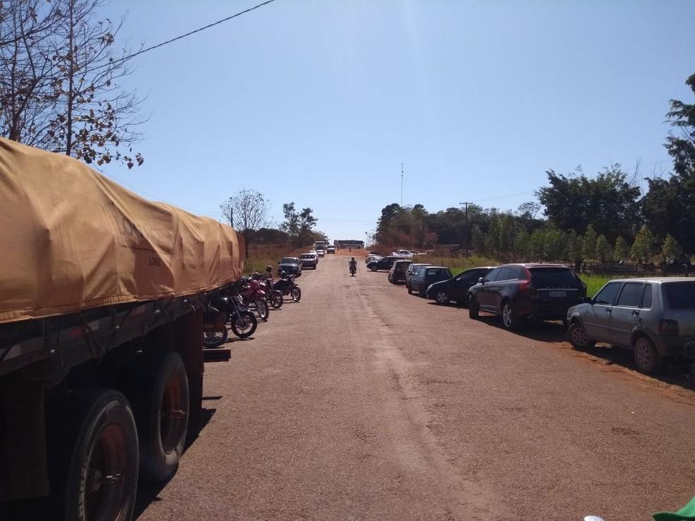 População diz que vai ficar no local por tempo indeterminado (Foto: Nilson Antônio Luiz Junior/Arquivo Pessoal)