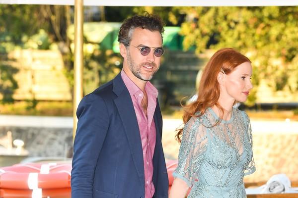 Jessica Chastain com o marido, Gian Luca Passi, no Festival de Veneza 2021 (Foto: Getty Images)