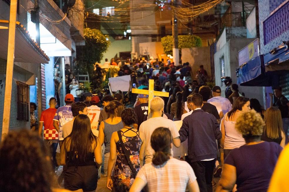 Moradores protestam em Paraisópolis neste domingo (1º) — Foto: Jose Barbosa/Futura Press/Estadão Conteúdo