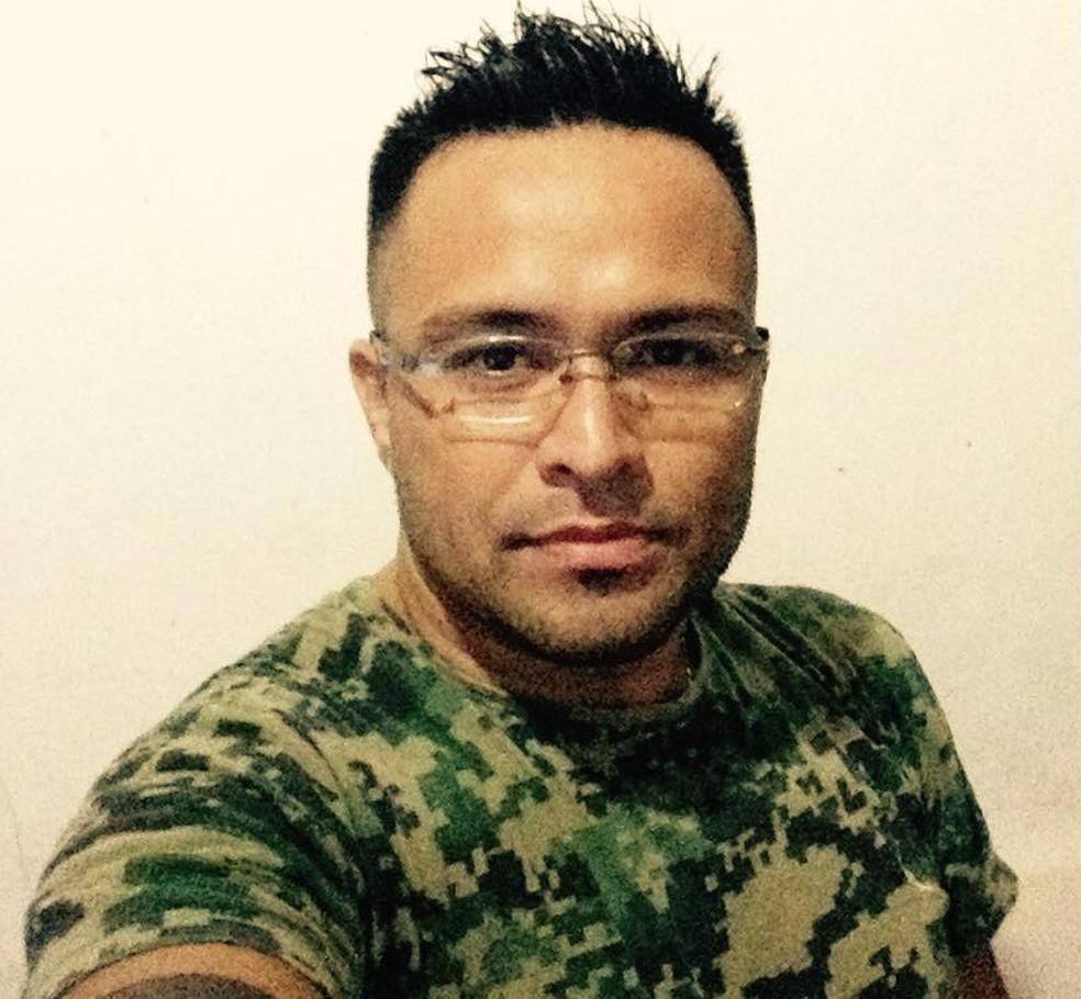Adriano Simabukuro foi atingido por 11 facadas em Registro, SP (Foto: Arquivo Pessoal)