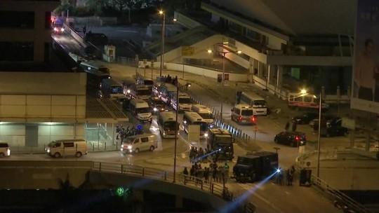 Polícia de Hong Kong ameaça usar bala de verdade contra 'armas letais' em atos