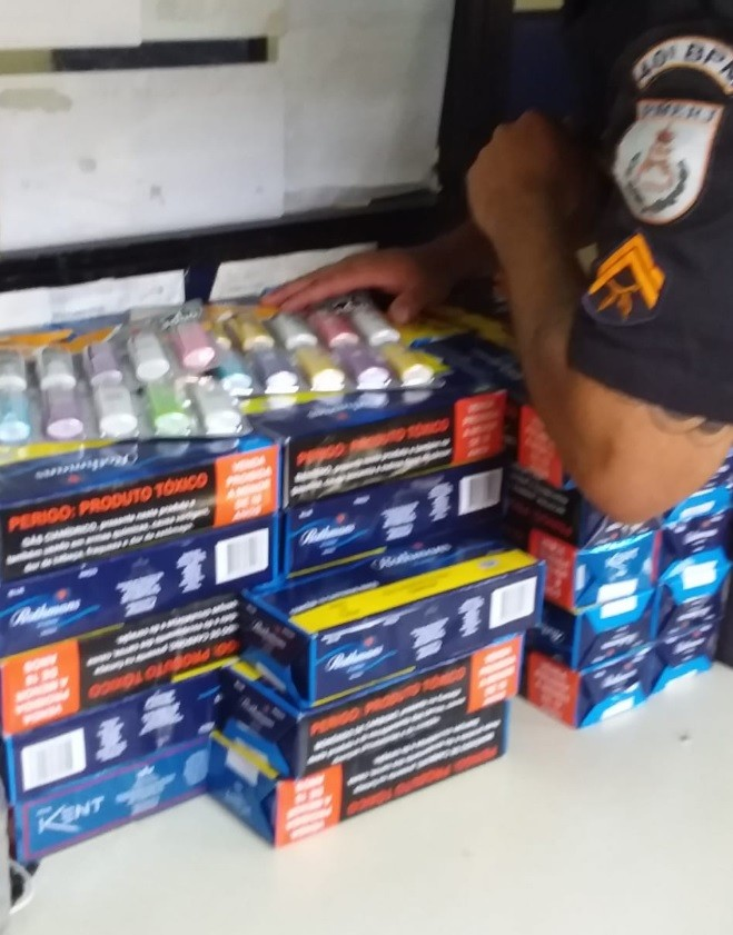 PM recupera carga roubada de cigarros na Zona Oeste do Rio