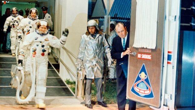 Astronautas da Apollo se preparam para decolar (Foto: Nasa via BBC News Brasil)