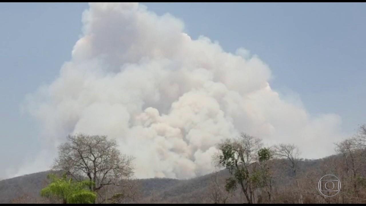 Fogo avança sobre a Serra do Amolar, região mais preservada do Pantanal
