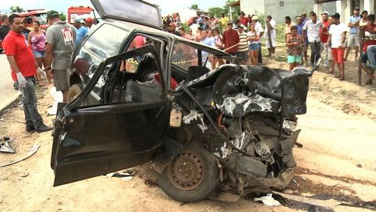 Acidente entre carro e caminhonete deixa vítimas em Inhapi, AL